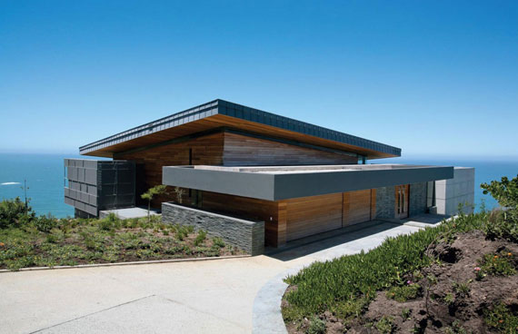 Marvelous Ocean View House With A Ious Interior