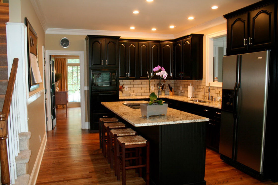 B29 The Unexpected Stylish Look Of Black Kitchen Designs