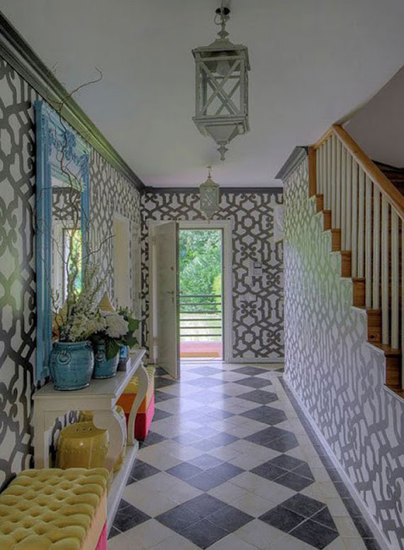 Decorating a foyer: not a big deal when you have these ideas