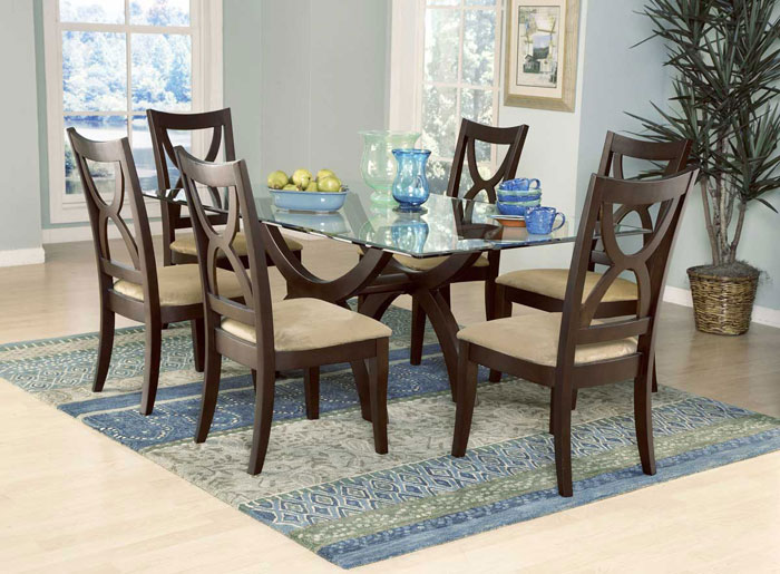 glass dining room tables to add a touch to your interior design