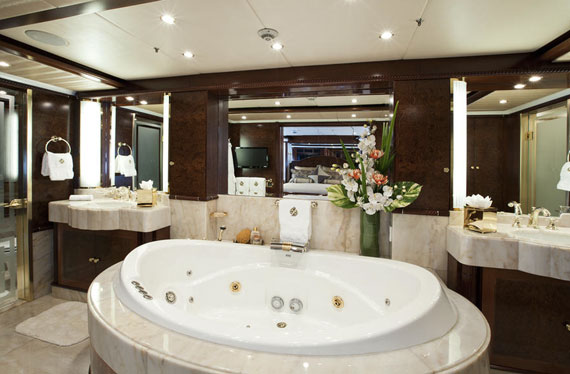 B23 Luxurious Master Bathroom Design Ideas That You Will Love