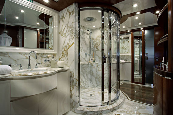 Luxurious Master Bathroom Design Ideas That You Will Love 4