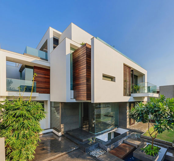 Contemporary, Sleek And Thermally Efficient Home In New Delhi