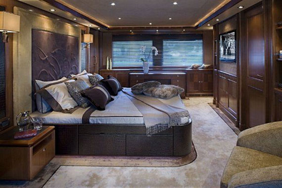 Glamorous Yachts Interior Design Examples That Will Amaze You 37