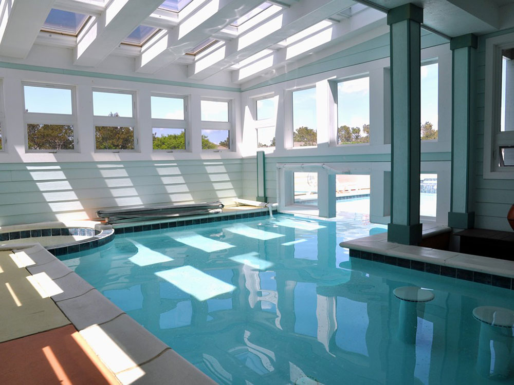 Best 46 indoor swimming pool design ideas for your home for Outdoor pool decorating ideas