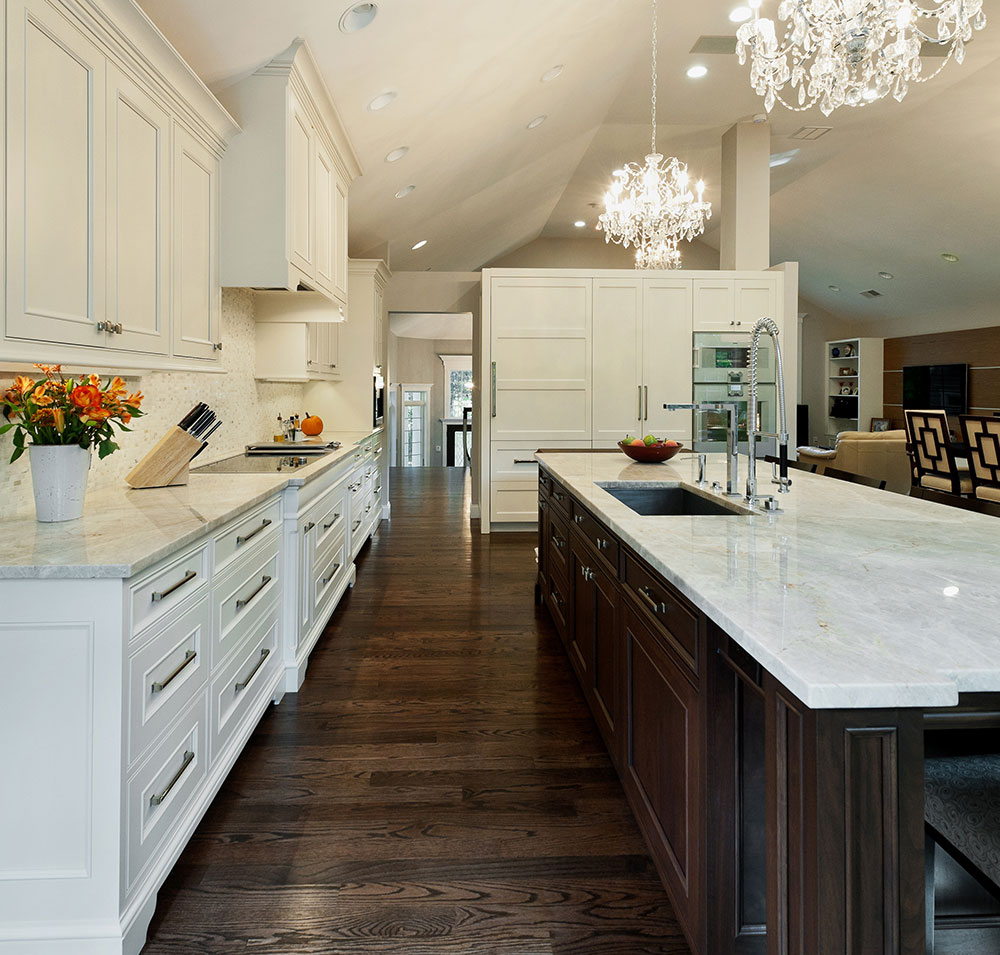 Example of a trendy kitchen design - White Kitchen Design Ideas To Inspire You 12 White