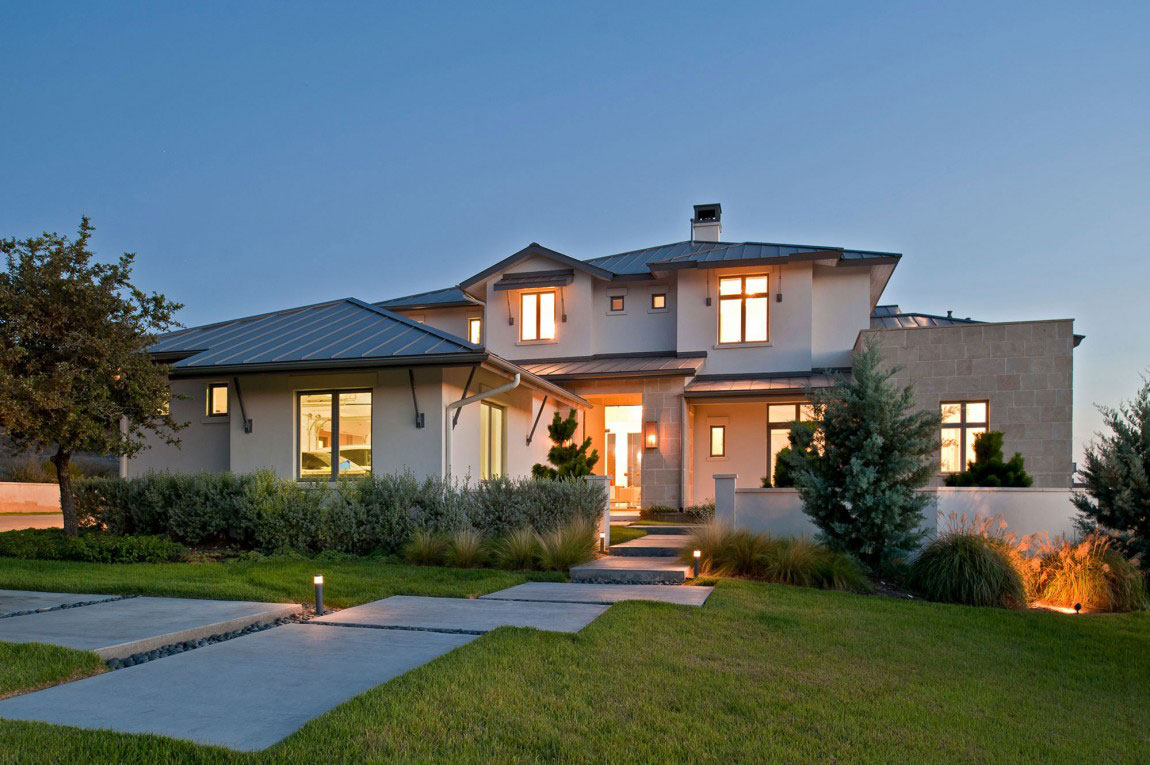 Contemporary House With A Modern Country Style