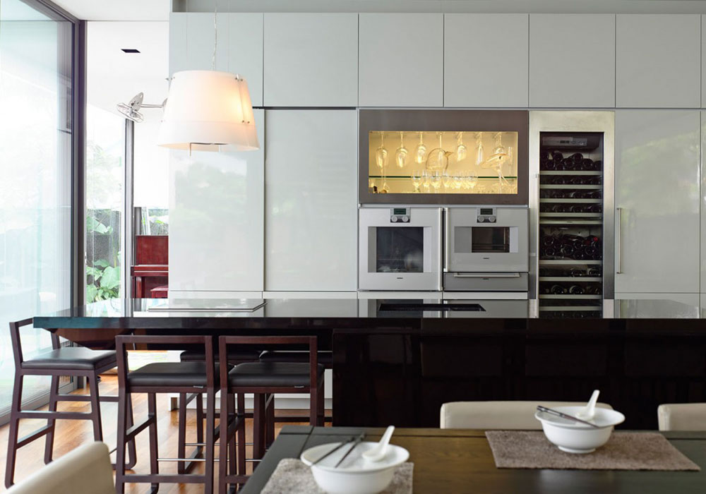 Lovely Kitchen Interiors With White Cabinets (2)