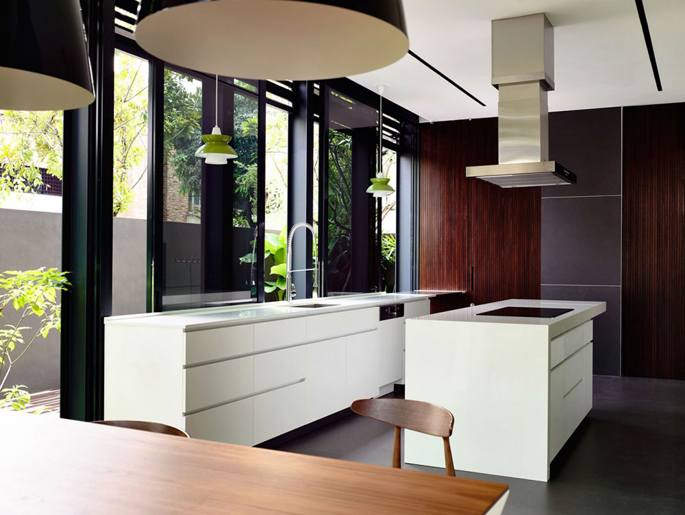 Lovely Kitchen Interiors With White Cabinets (7)
