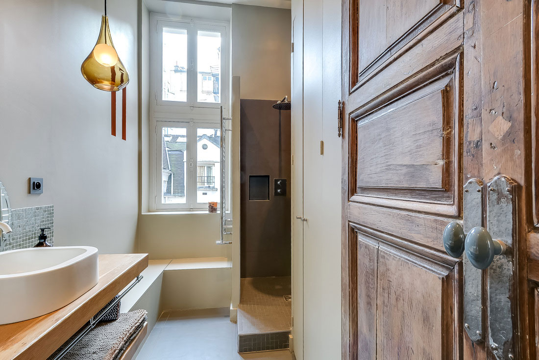 Modern Apartment In Paris Designed By French Interior Designer ...