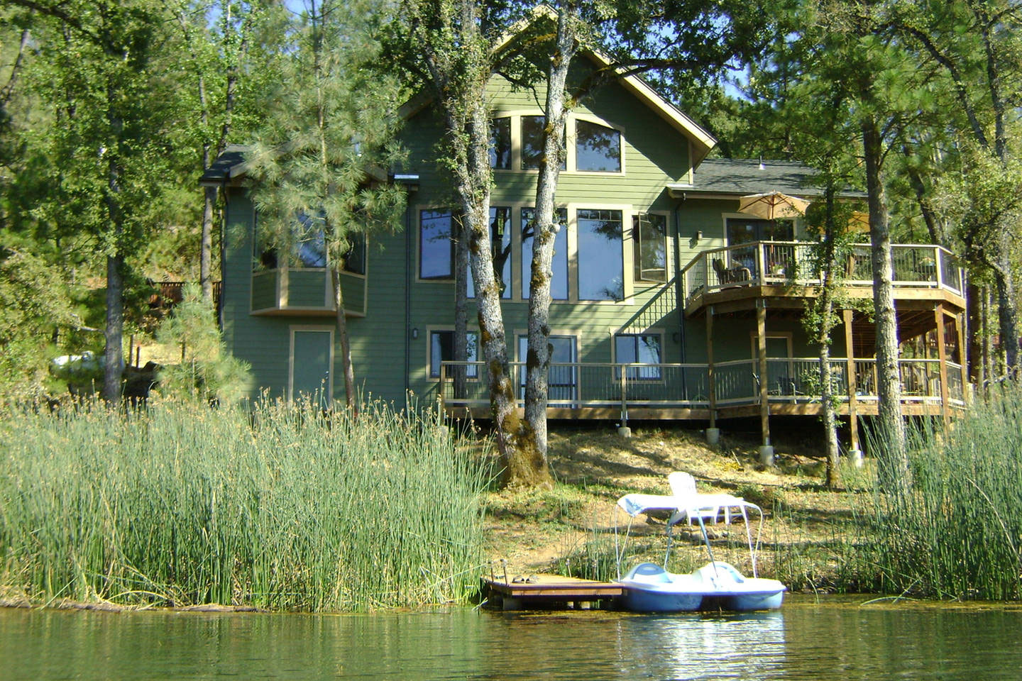 lake cabin design ideas that will wow you 3