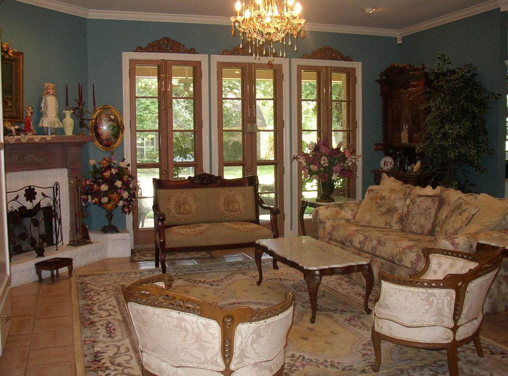 The Art Of Designing With Antiques Interior Decorating