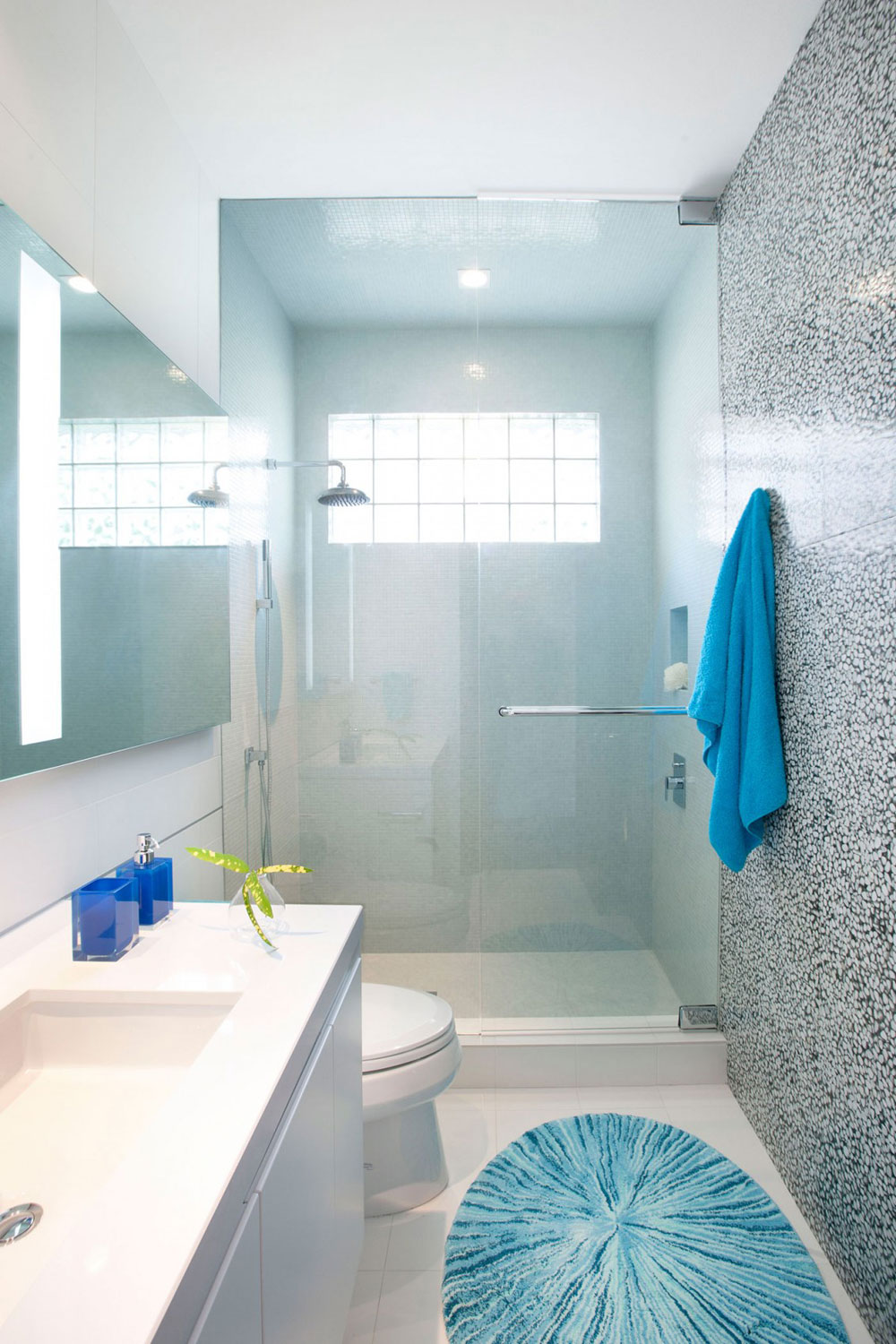How To Decorate A Small Bathroom And Yet Save Space
