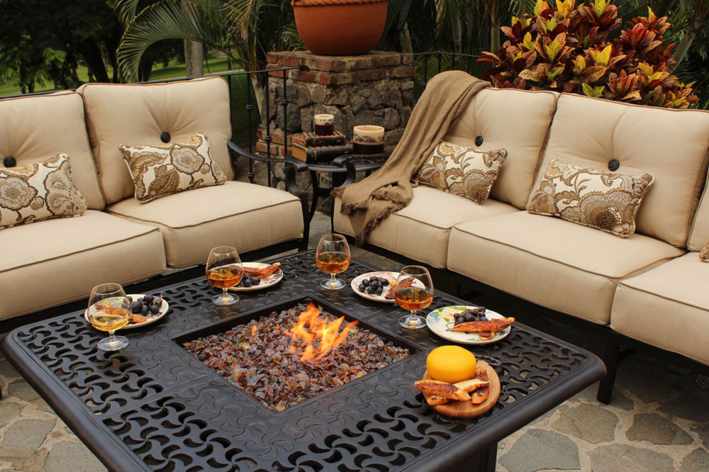 Beautify Your Backyard With These Fire Pit Design