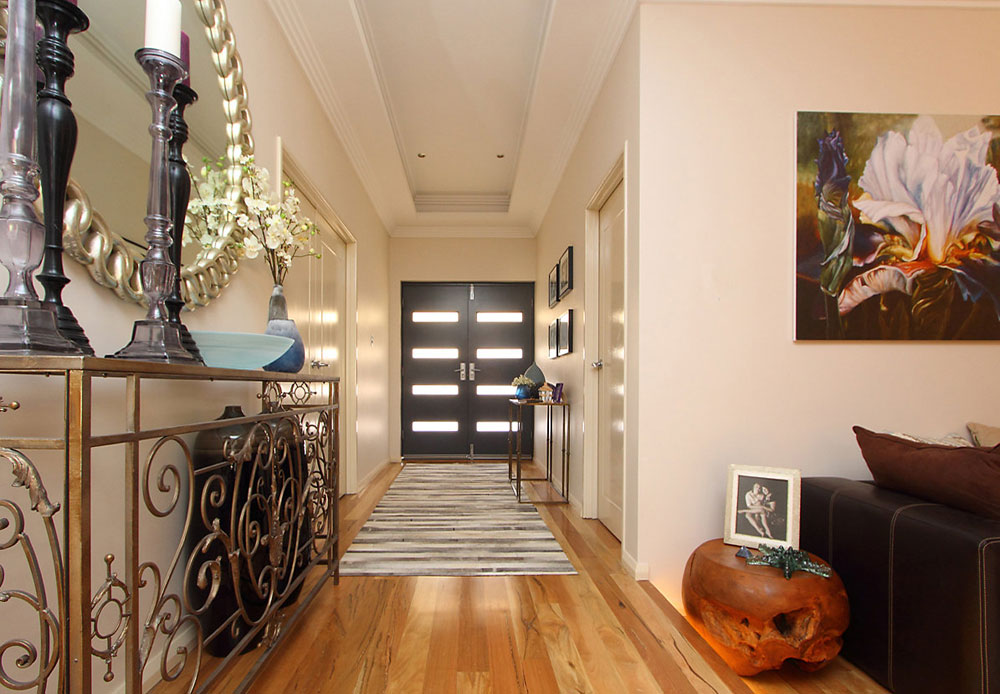 Attractive Hallway Wall Decorating Ideas For Your Comfy Home
