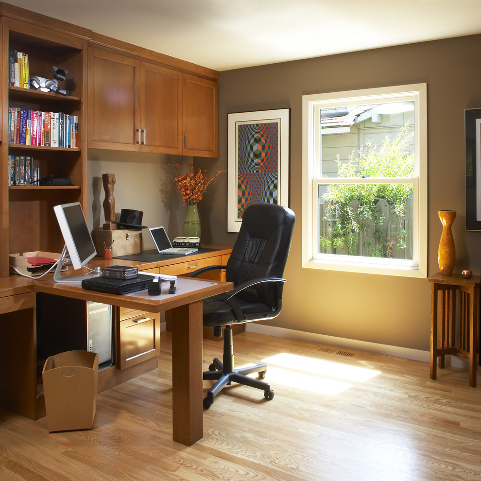 How To Decorate An Office And Home Workspace