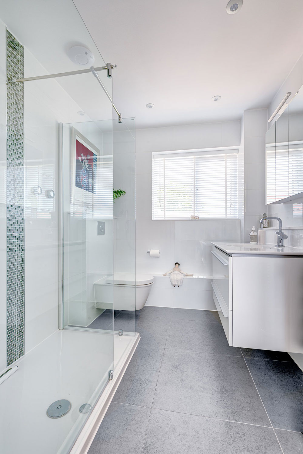 For Small Bathrooms How To Make A Small Bathroom Look Bigger Tips And Ideas