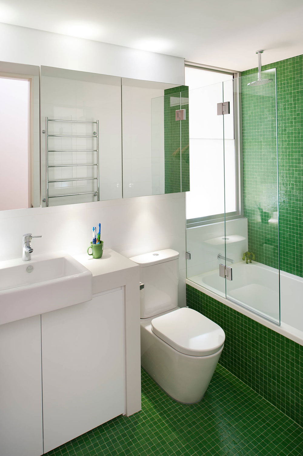 How To Make A Small Bathroom Look Bigger6