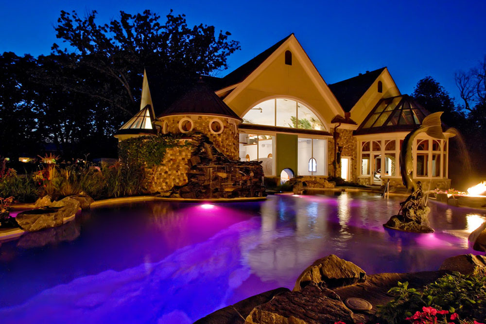 Pros And Cons Of Having A Swimming Pool In Your Yard