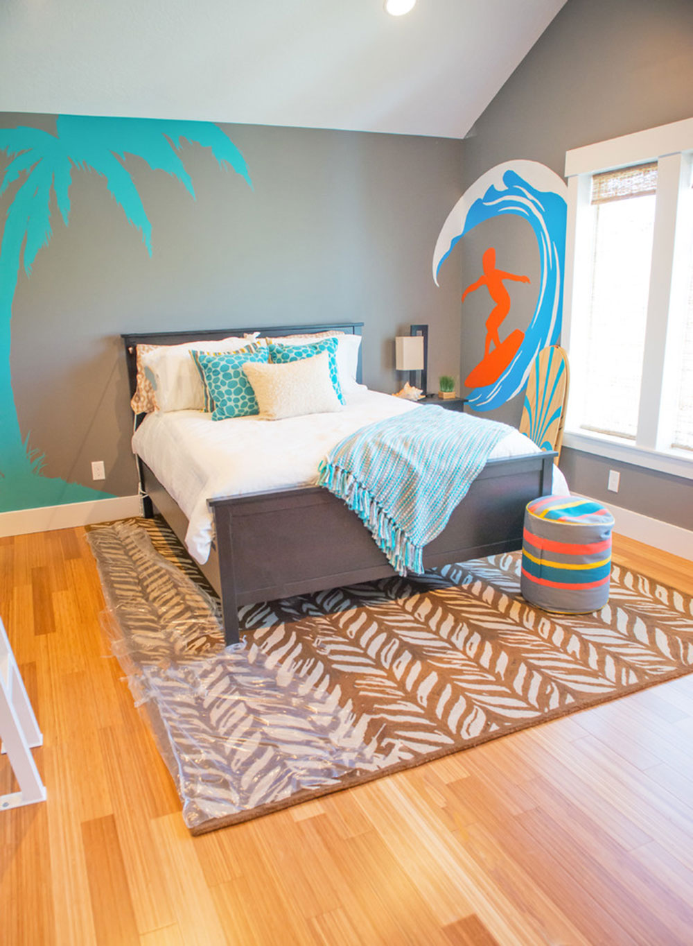 Never Miss Summer With These Tropical Bedroom Design Ideas5