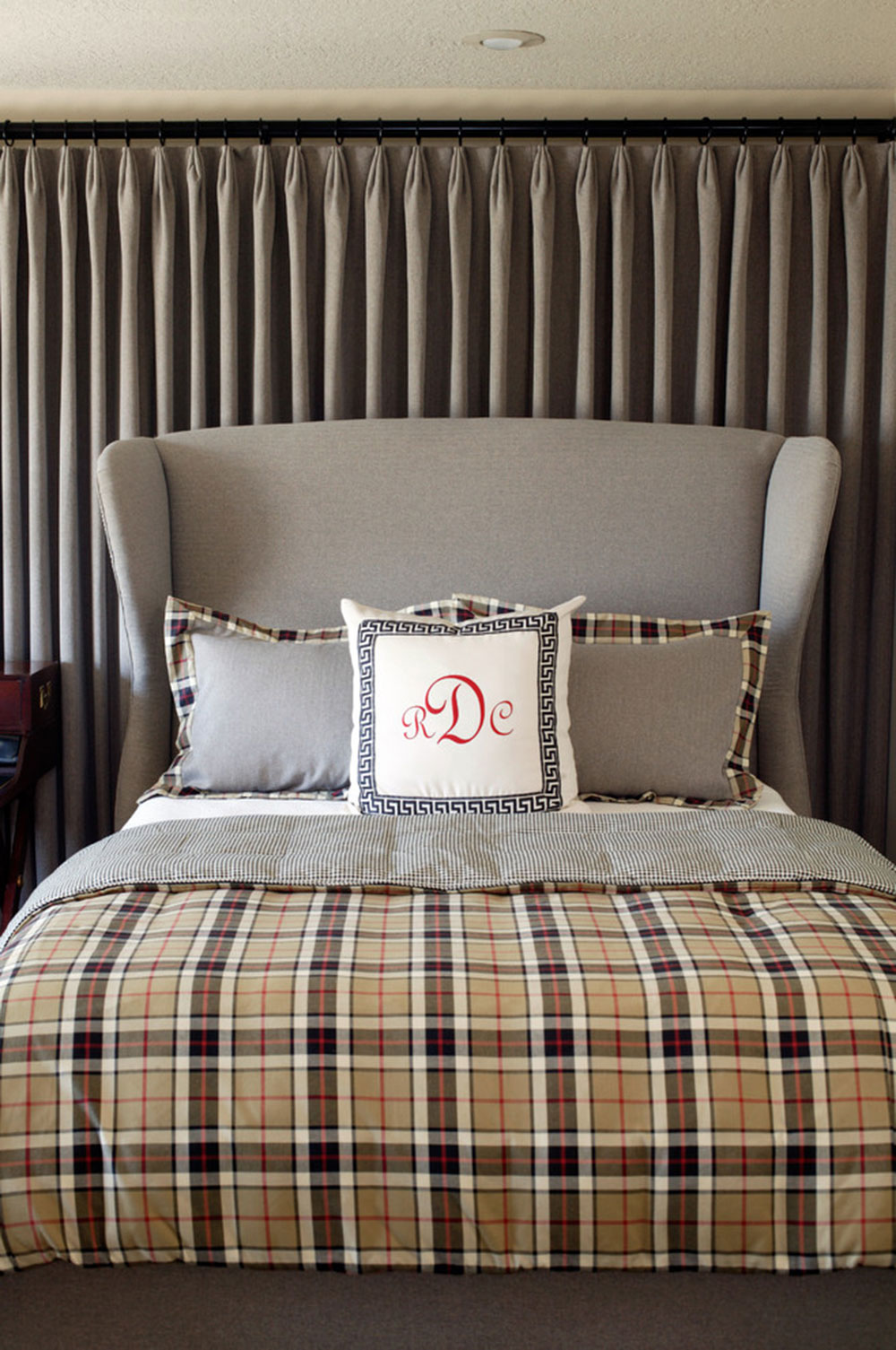 Plaid Home Decor For Everyone11 Everyone