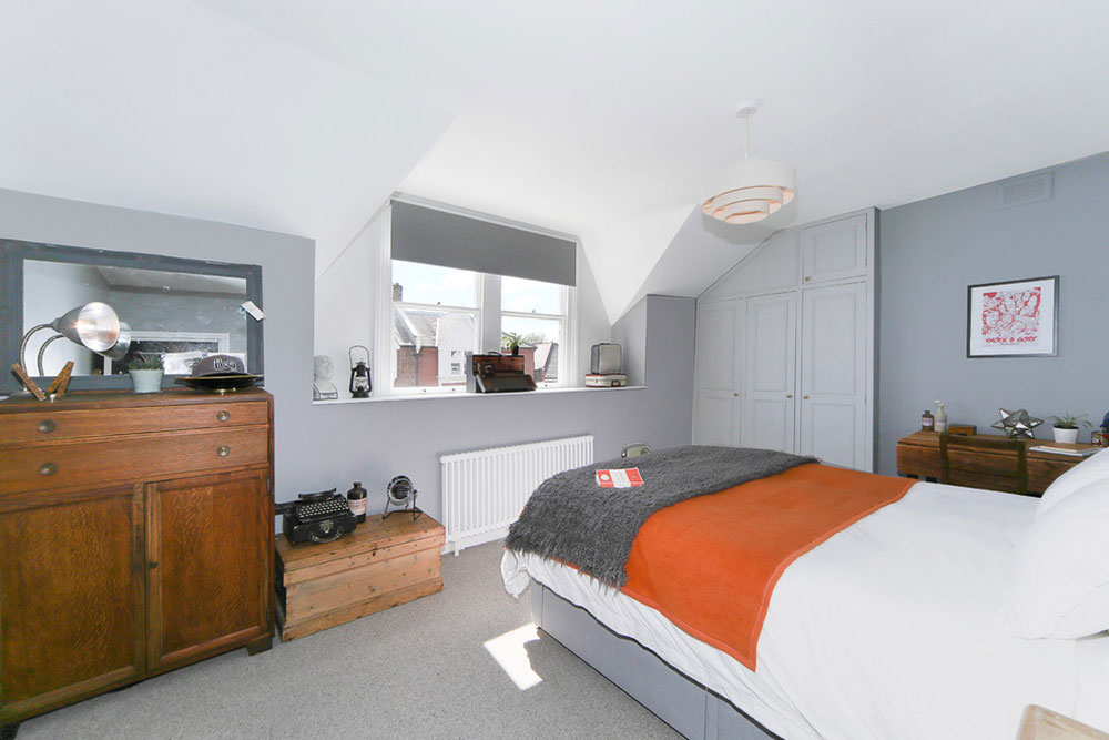 Examples Of What Color Goes With Orange (22 House Interiors)