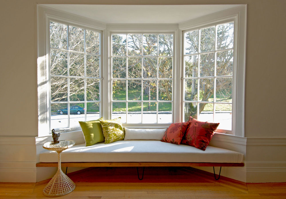 Homey Feelings With These Bay Window Decor 3 Bay