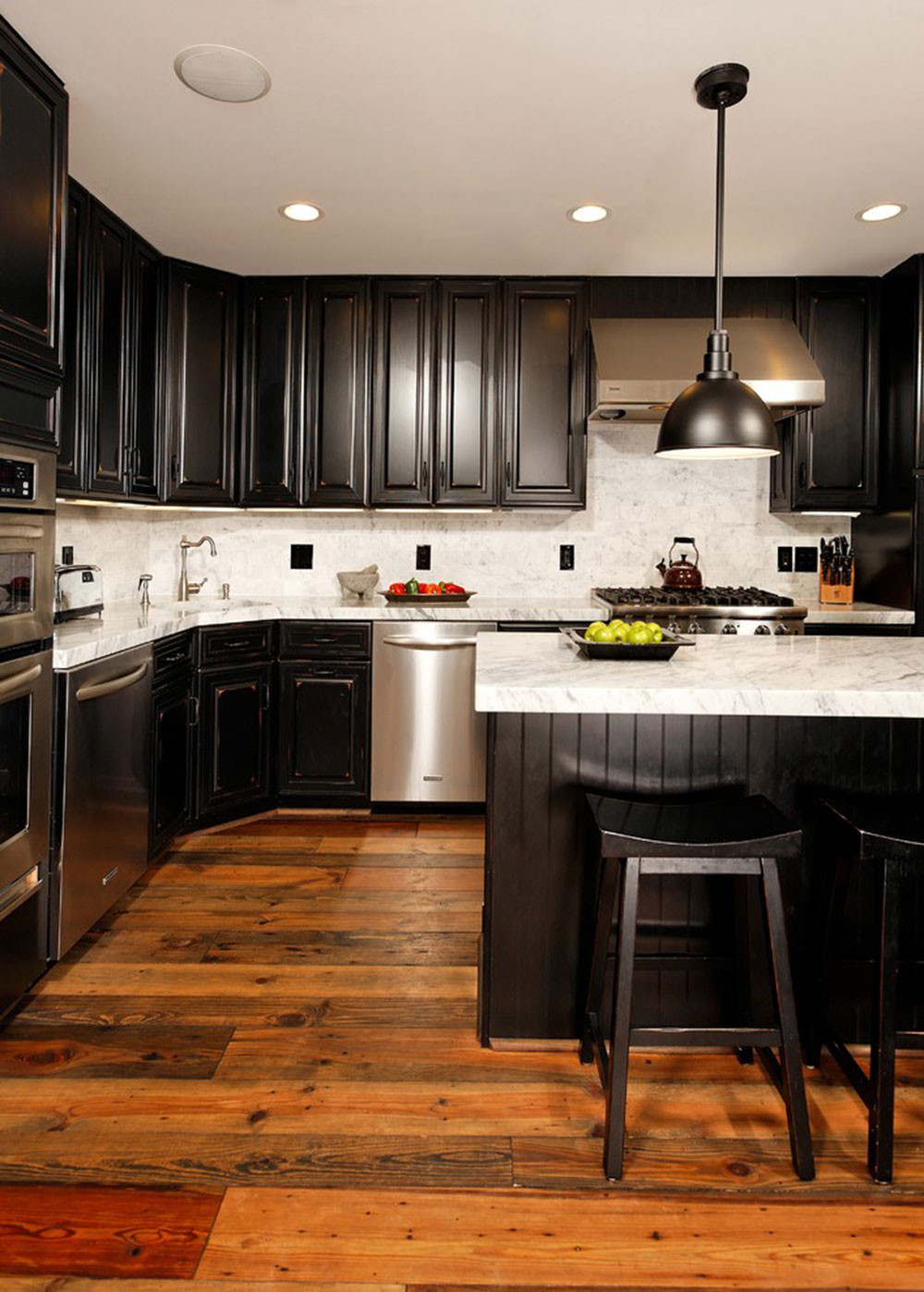 Kitchens With Black Cabinets Can Still Be Bright9 Kitchens