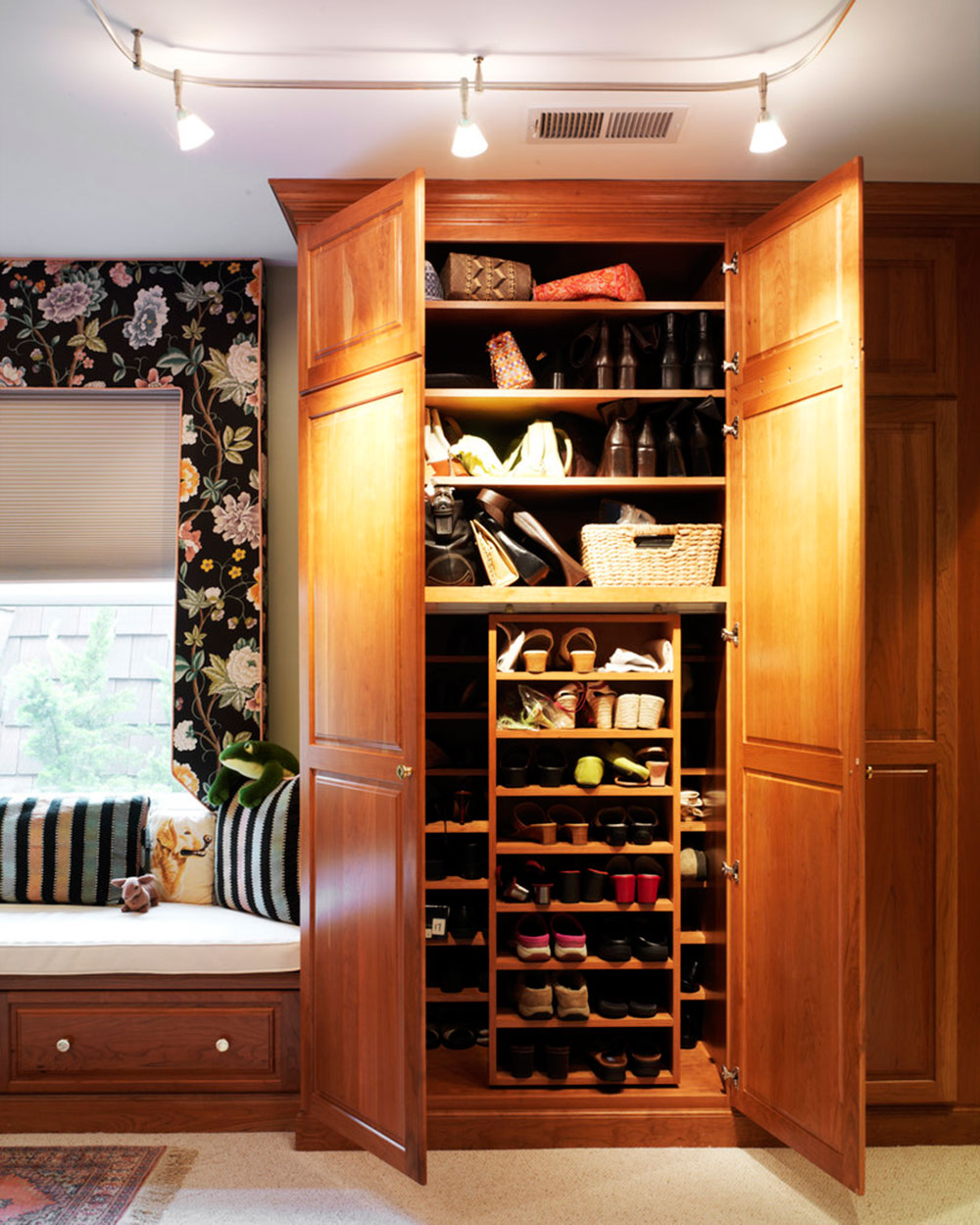 Delicieux Mysterious And Modern Shoe Storage. Make Your Dreams Come True With These  Shoe