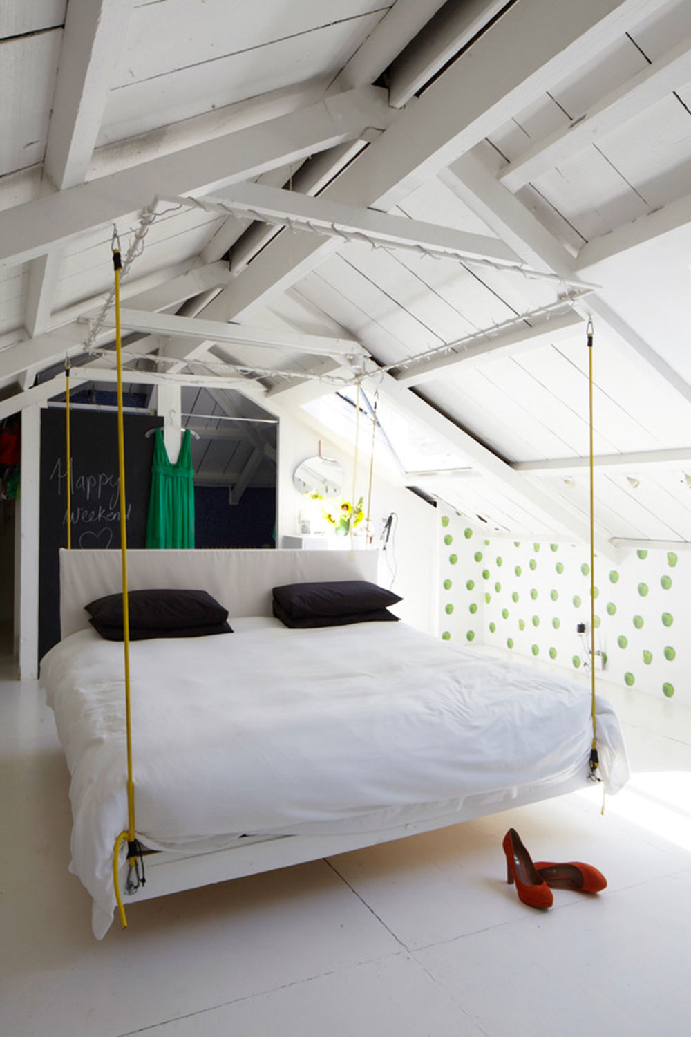 Hanging bed chains - Creative Hanging Beds Ideas For Amazing Homes9 Creative Hanging Beds