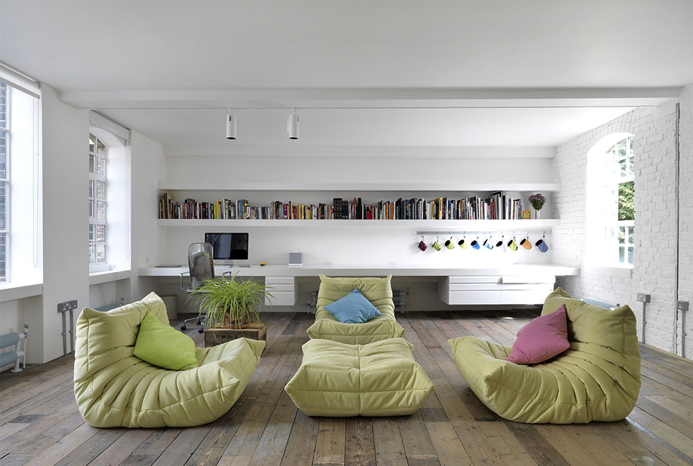 Bermondsey Warehouse Loft By HI MACS® Italia Floor Cushions Part 43