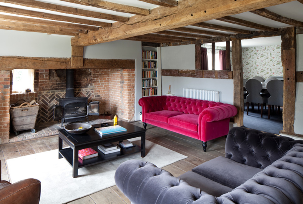 Chesterfield sofa: Leather, Velvet and Modern Examples