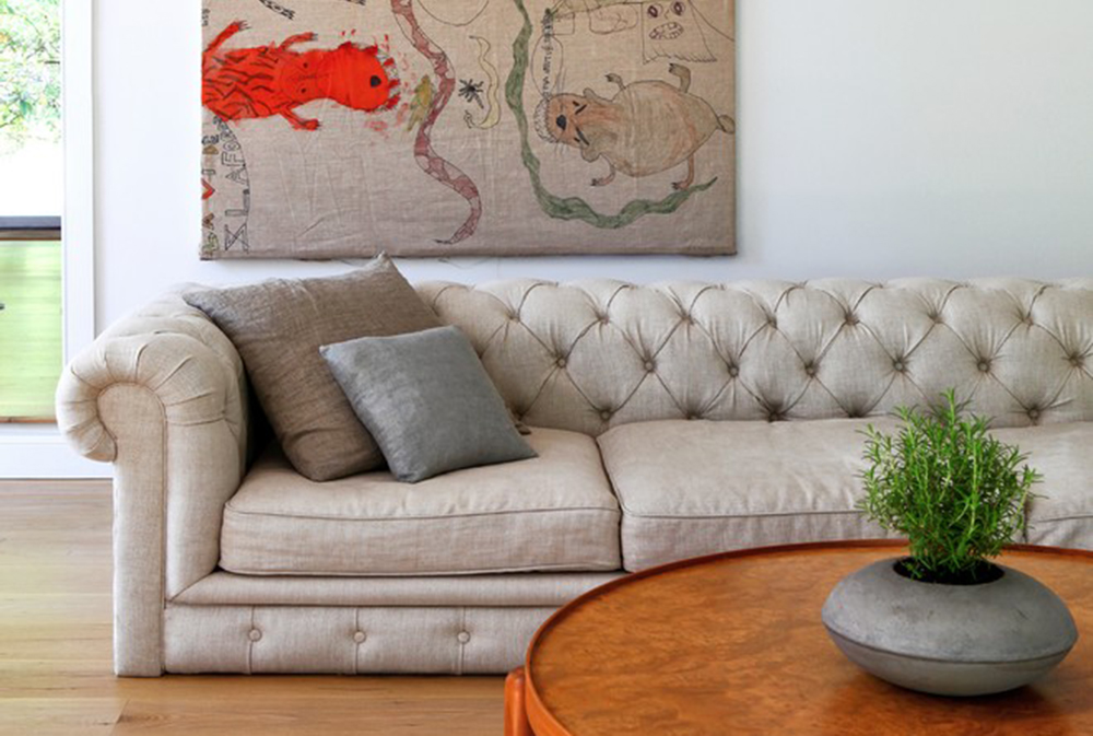 Hamptons Country House By Cezign Chesterfield Sofa: Leather, Velvet And