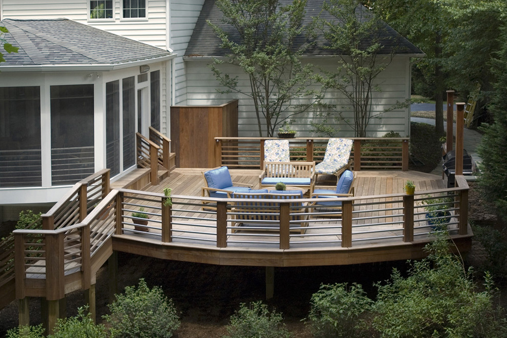 Deck Railing Ideas: Design Options and How To Install One