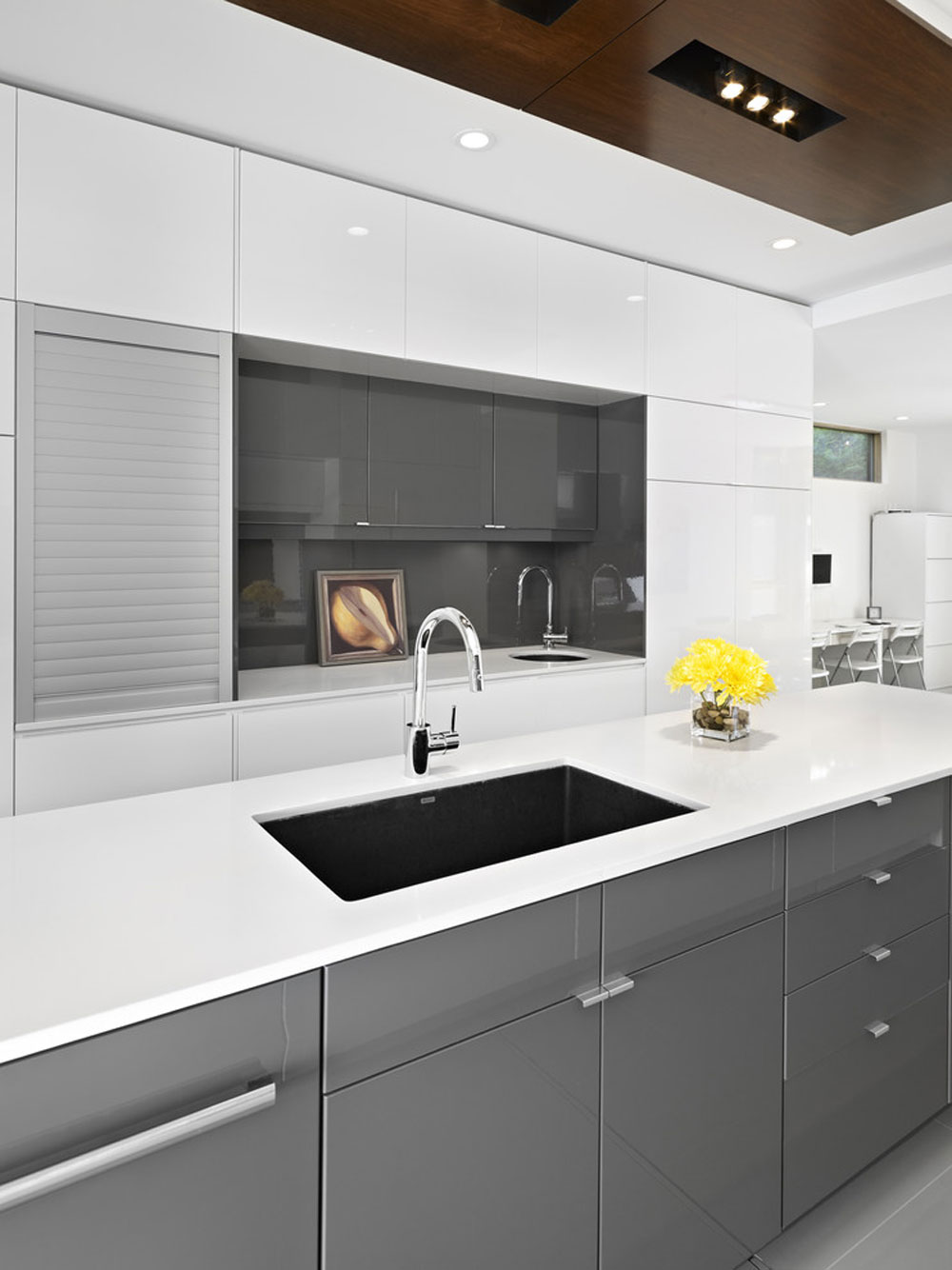 Metal kitchen cabinets: stainless cabinetry for your kitchen