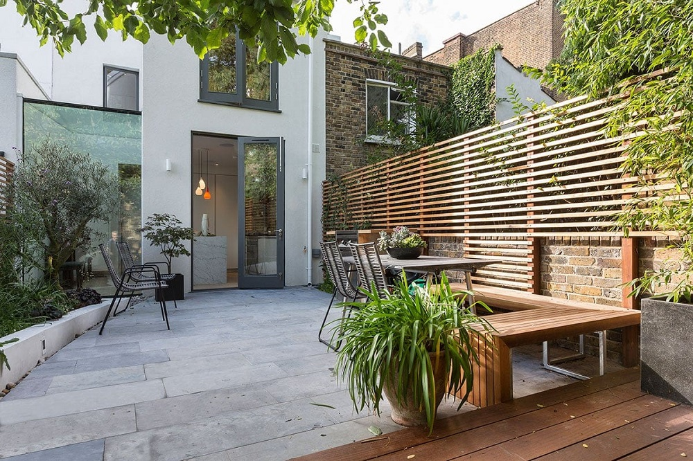 h11-1 Horizontal wood fence ideas that look stunning