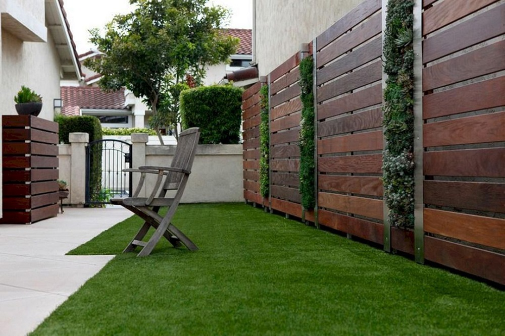 h16-1 Horizontal wood fence ideas that look stunning