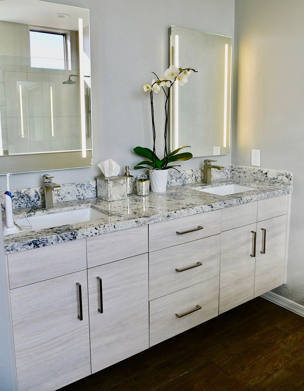 White Ice Granite Countertops Inspiration And Tips For Using Them