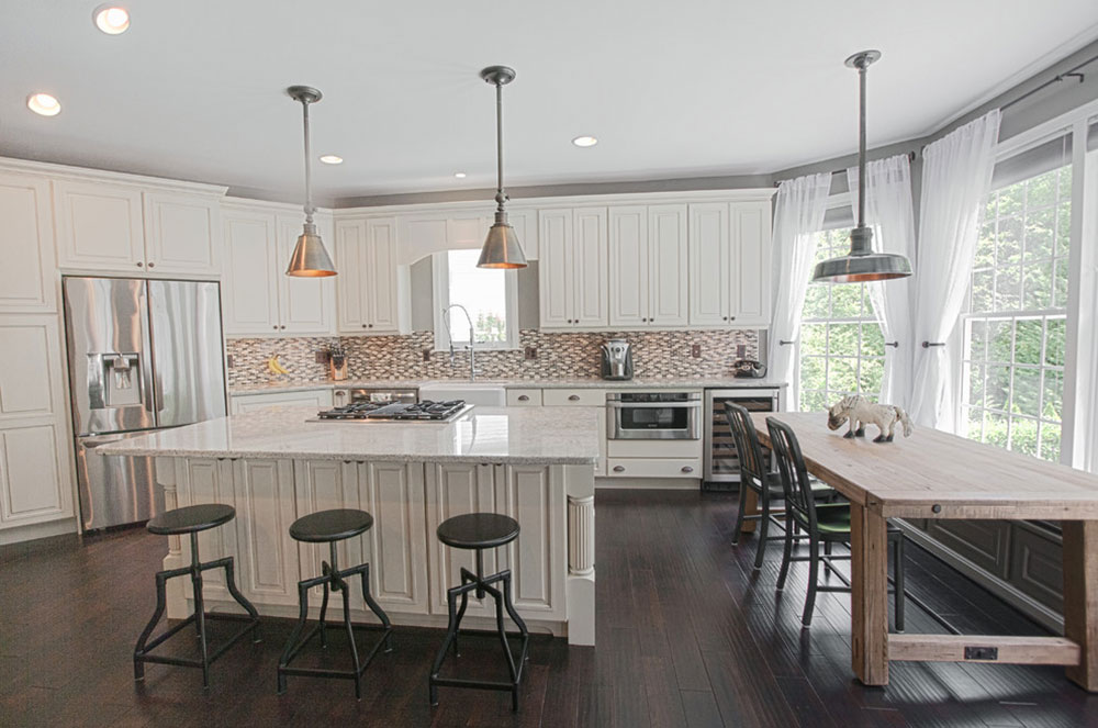 Decorating Ideas For A Kitchen With Breakfast Bar