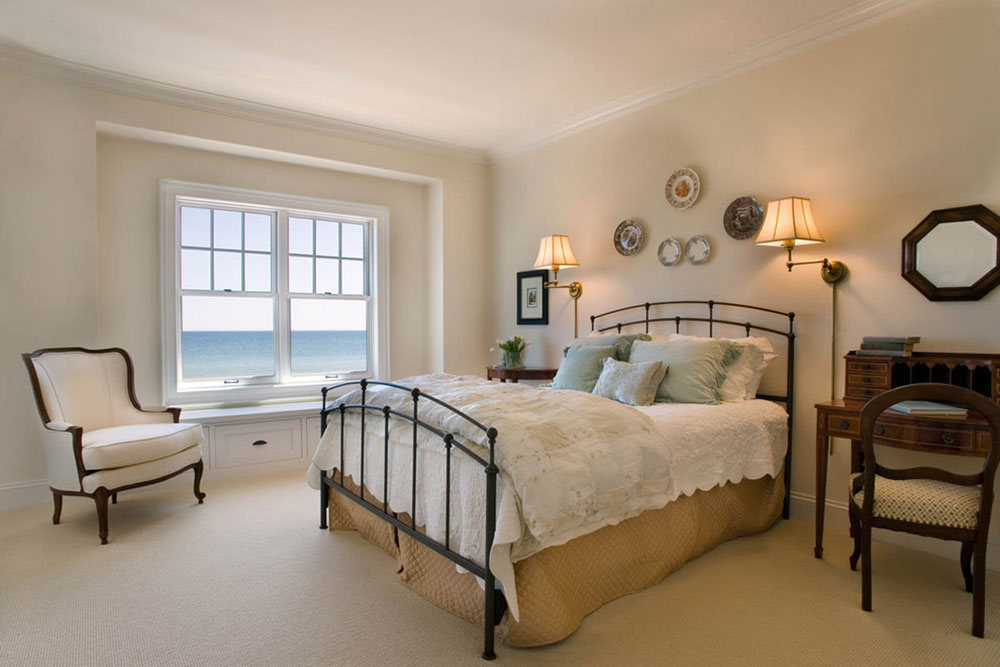 To Arrange A Small Bedroom With Queen Bed, Queen Size Bed Ideas For Small Rooms