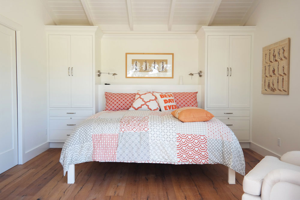 To Arrange A Small Bedroom With Queen Bed, How To Organize A Small Bedroom With Queen Bed