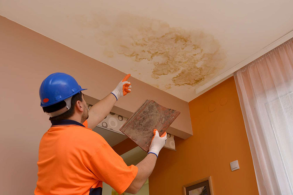 How to fix a leaking roof from the inside (Quick tips)