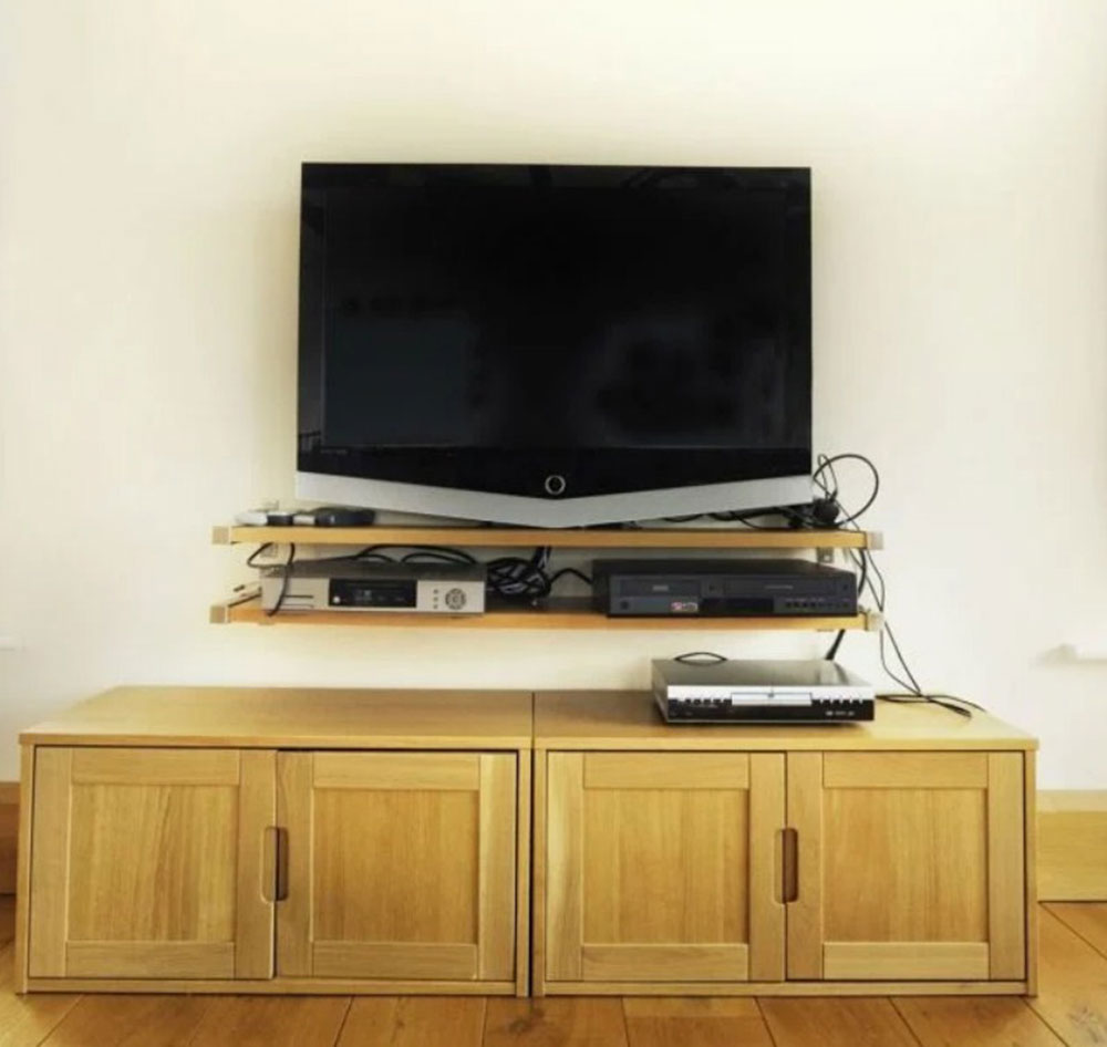 How to hide electrical cords in living room (Quick tips)
