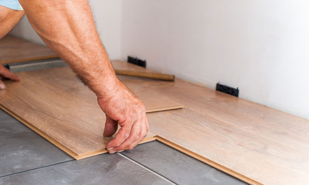 How To Stagger Laminate Flooring Properly, Staggering Laminate Flooring